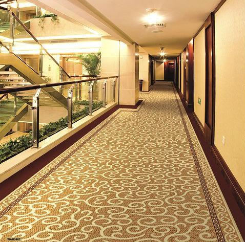 Kích thước thảm cuộn lớn và màu sắc phù hợp với phòng cách thiết kế tương ứng