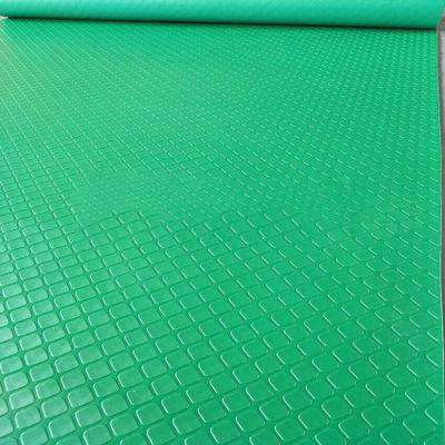 Thảm nhựa nút vuông